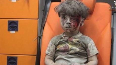 cnnee vo cafe niño de la ambulancia siria alepo_00000202
