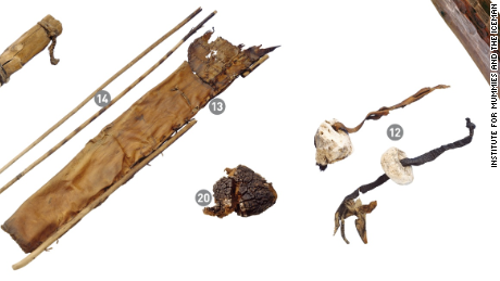 Otzi left behind a stone dagger, bows, leather quiver, tinder fungus, birch fungus and birch bark (from left to right).