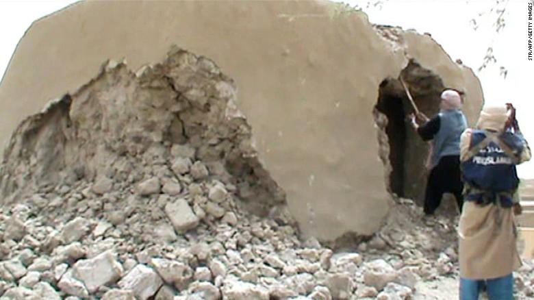 Malian jihadist apologizes for destroying ancient artifacts