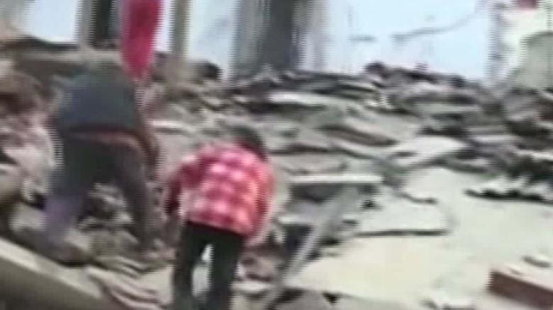 italy quake sanderson beeper daylight video_00000000