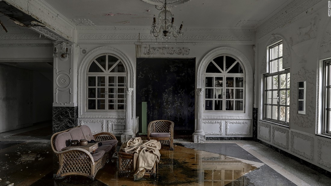 Lost luxury abandoned hotels around the world for Luxury places