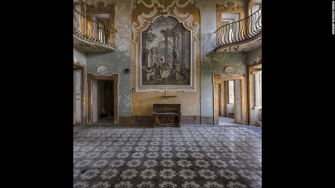 """""""I find beauty in decay, especially in abandoned hotels, castles and old mansions,"""" says Richter. """"Sad, but beautiful all the same."""" Even villas are transient, he adds."""