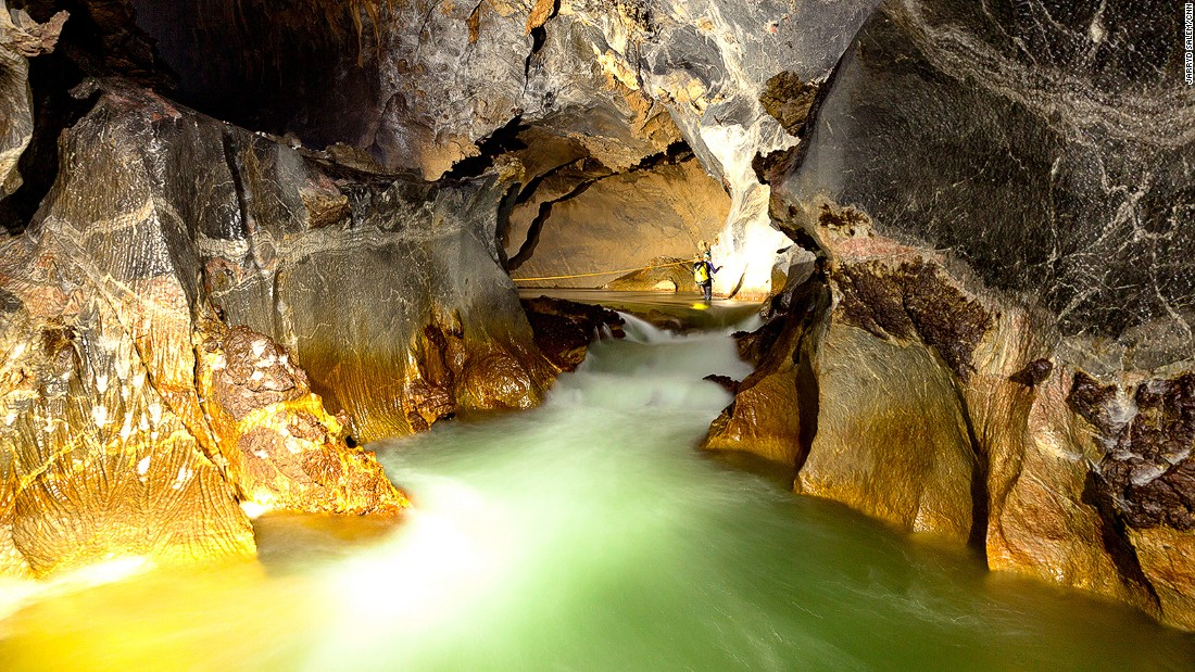 The Rao Thuong River flows fast through the Son Doong cave system, continuously carving new chambers and passages. During the wet season the river floods to dizzying levels, halting any chance of exploration through the caves or jungle.