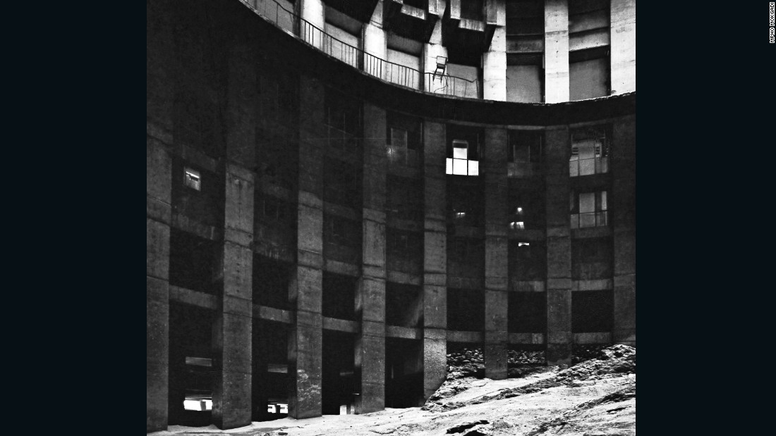 The building was designed with a hollow core, into which residents discarded their trash. At one point, the garbage pile role to 14 stories high. <br /><br />After discussions to convert the building into a prison were abandoned, the city redeveloped it as a block of expensive apartments, with 24-hour armed security.