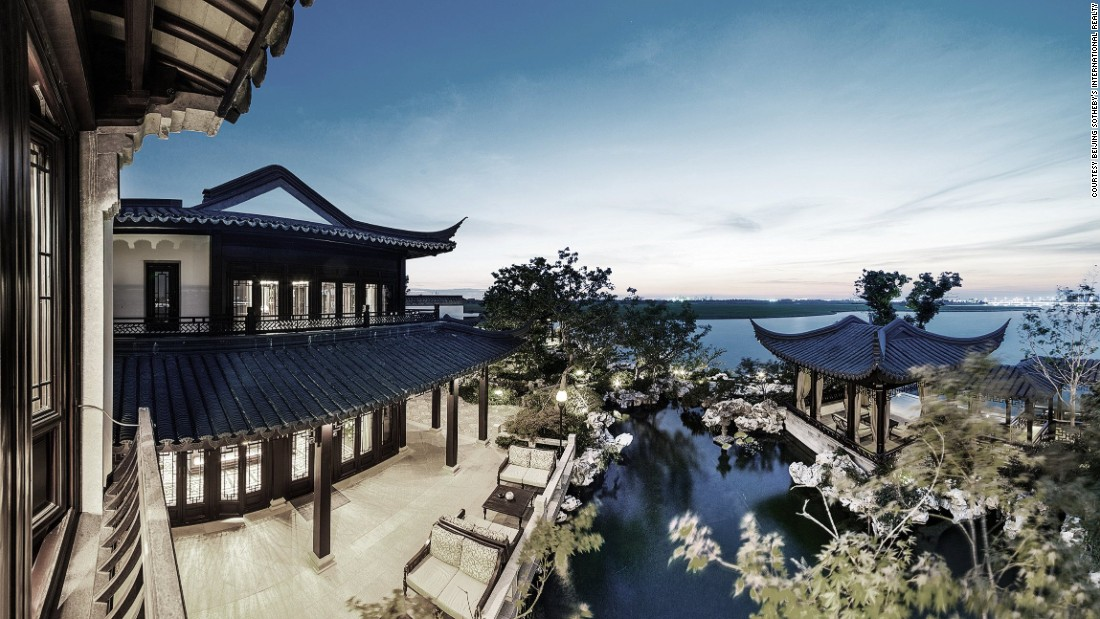 Traditional style houses are becoming increasingly popular among China's urban elite who want to set themselves apart from more middle class real estate consumers.