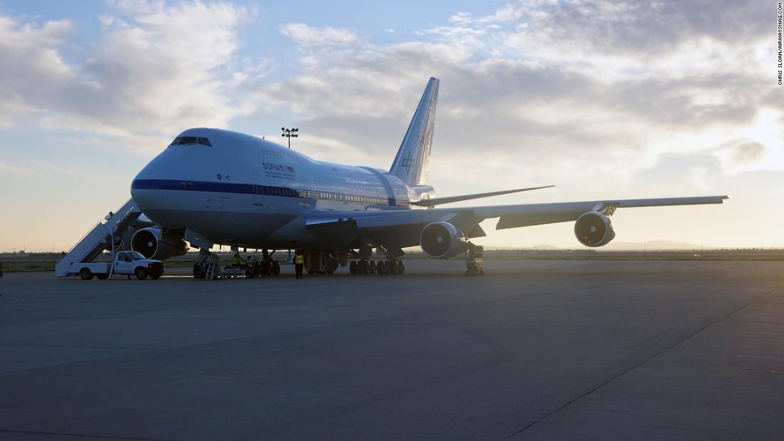 NASA's 747SP SOFIA: World's biggest flying observatory ...
