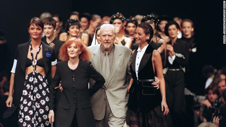 Sonia Rykiel flanked by Helena Christensen, Christie Turlington and director Robert Altman at her Spring-Summer 1994 show.