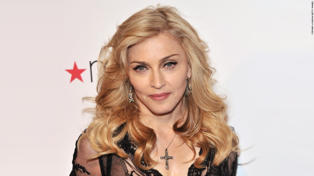Madonna adopts twin girls from Malawi