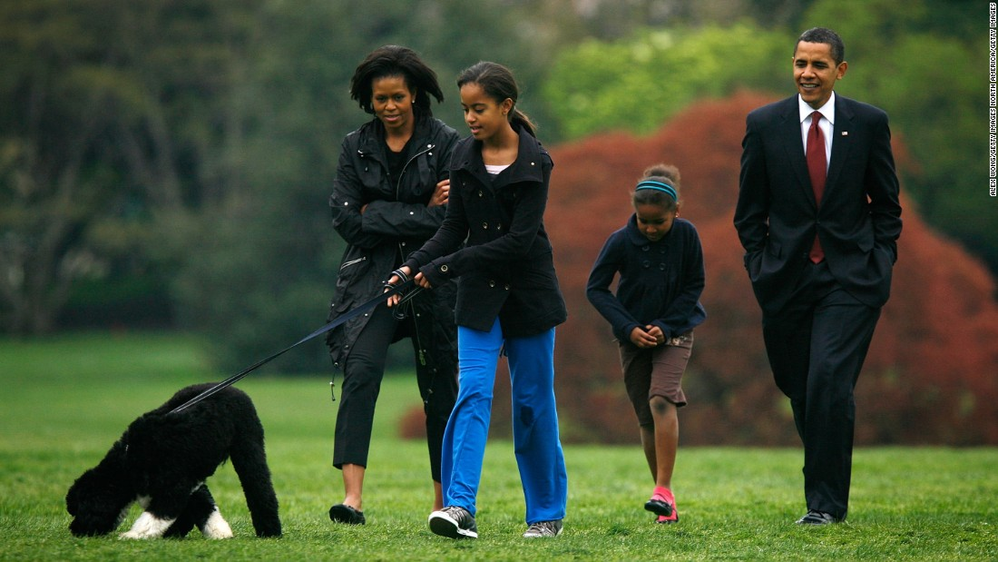 The first family introduces Bo to the White House press corps at the South Lawn on April 14, 2009.