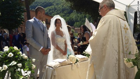 Ramon and Martina Adazzi got married on Sunday in central Italy, despite the aftershocks and tragic loss of life in the region.