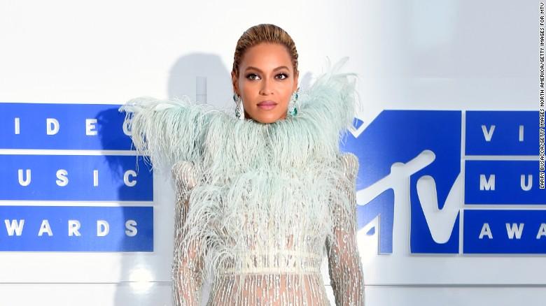Former pol cites Beyoncé lyrics to criticize Clinton