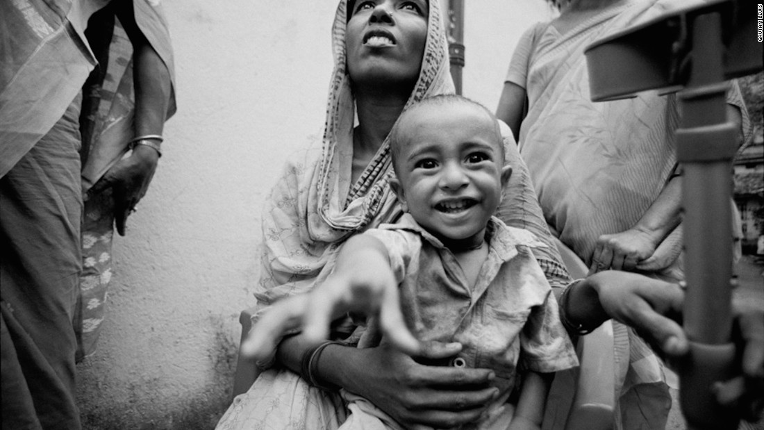 This woman is a beggar from 24 Parganas, possibly the same district Gautam is originally from. She told Gautam she was also a victim of domestic violence.