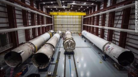 cnn money spacex rocket