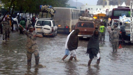 Torrential rains brought chaos to the Mecca region in 2005