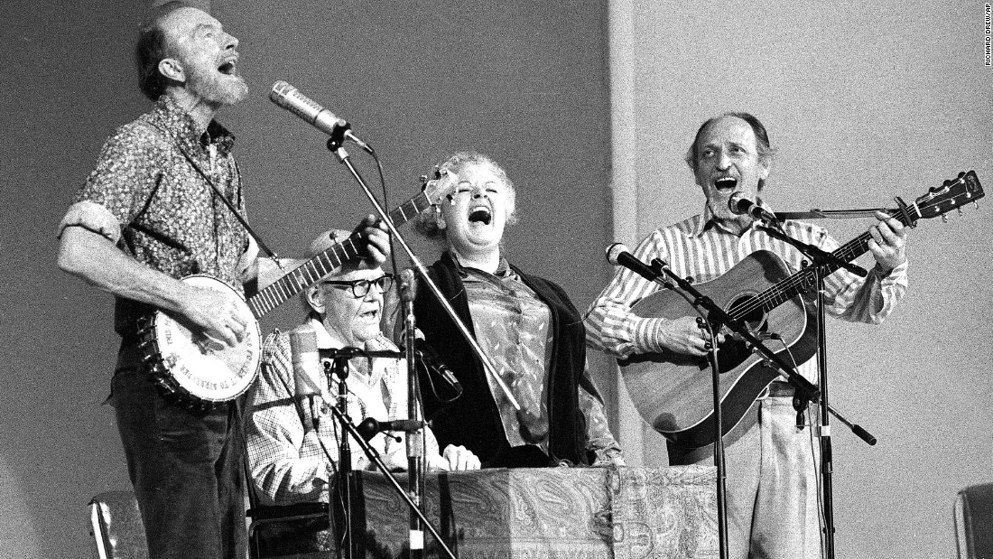 "<a href=""http://www.cnn.com/2016/09/03/us/obituary-weavers-fred-hellerman/index.html"" target=""_blank"">Fred Hellerman</a>, right, and the Weavers perform at Carnegie Hall in 1980. Hellerman died September 1. The other members of the Weavers were, from left, Pete Seeger, Lee Hays and Ronnie Gilbert."