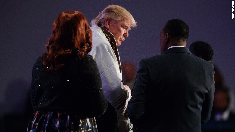 160903123145-trump-detroit-prayer-shawl-