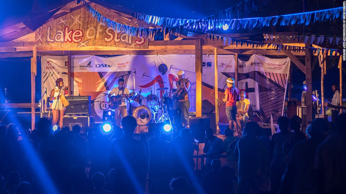 """The annual music event  <a href=""""http://lakeofstars.org/information/"""" target=""""_blank"""">Lake of Stars</a> takes place at the end of September and attracts artists and audiences from around the world. In 2015, a total of 79 Malawian and international artists performed at the lakeside stage, attracting more than 4000 visitors, the organizers say.<br /><br />"""