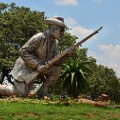 Pretoria Danie-Theron-statue-ar-Fort-Schanskop