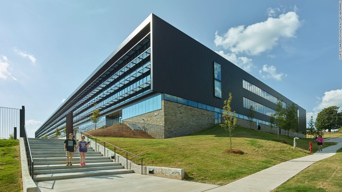 """This restructured public high school adopted a small learning community (SLC) model and was granted an Award of Merit in the AIA's 2016 Educational Facility Design Awards. <br /><br />""""SLCs are designed with core learning studios that feature discovery, project-based learning, digital and applied learning labs to foster collaboration,"""" said the AIA."""