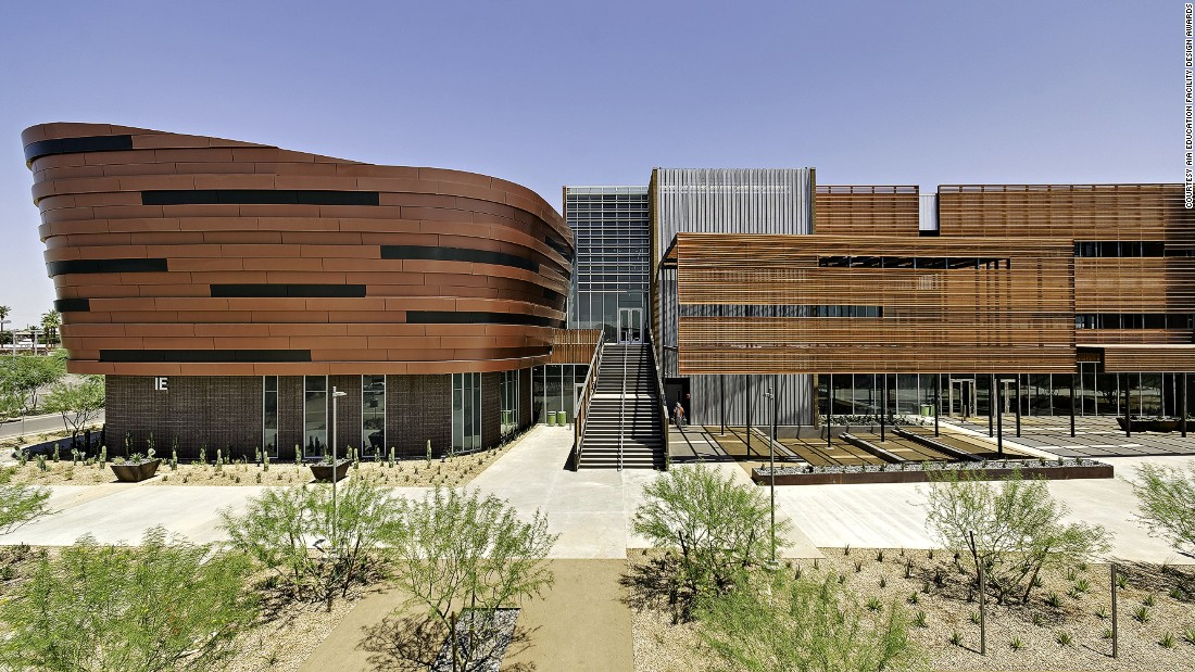 Located in Phoenix's Discovery Triangle, a redevelopment zone that connects the city's academic and research centers, this three-story building was designed to create an academic city and includes a campus mall and extensive outdoor study and faculty space.