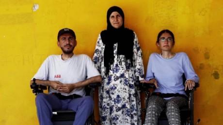 cnnee pkg amanpour refugiado siria discapacitado_00010006.jpg