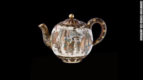 Teapot_CCIN 91_Nakamura Bakei_Satsuma Japan_Meji 1880.jpg