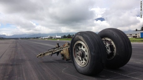 The torn off landing gear from Trigana PK-YSY.