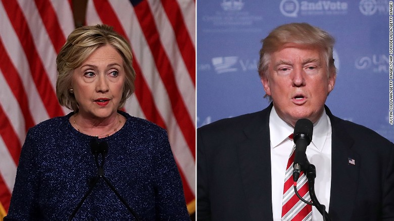 Clinton, Trump battle for Florida's undecided voters