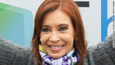 Former Argentine President (2007-2015) Cristina Fernandez de Kirchner (C) participates in a rally at the huge Villa 31 shantytown in downtown Buenos Aires, on August 8, 2016. The rally celebrates the launching of a community television channel made possible by a law promulgated during her government.  / AFP / JAVIER GONZALEZ TOLEDO        (Photo credit should read JAVIER GONZALEZ TOLEDO/AFP/Getty Images)