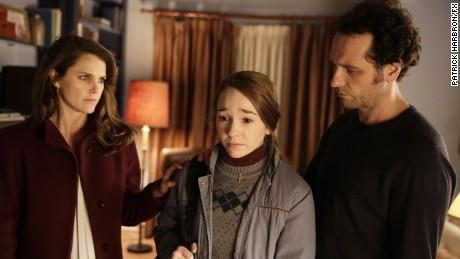 Keri Russell as Elizabeth Jennings, Holly Taylor as Paige Jennings, Matthew Rhys as Philip Jennings.