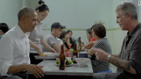 Anthony Bourdain Parts Unknown Hanoi 1_00011627.jpg