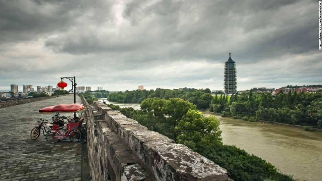 The southern entrance of Nanjing's Ming Dynasty City Wall, also known as Zhonghua Gate, is located near the temple complex.