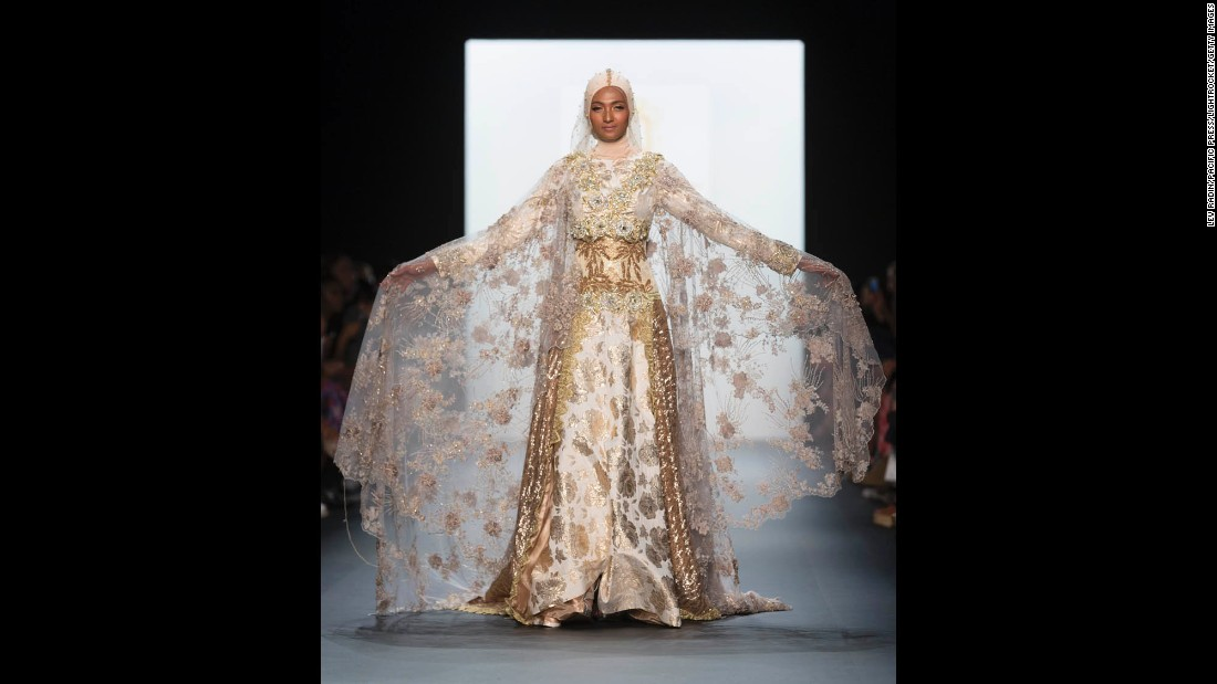 She was also the first Indonesian to present her designs at New York Fashion Week.