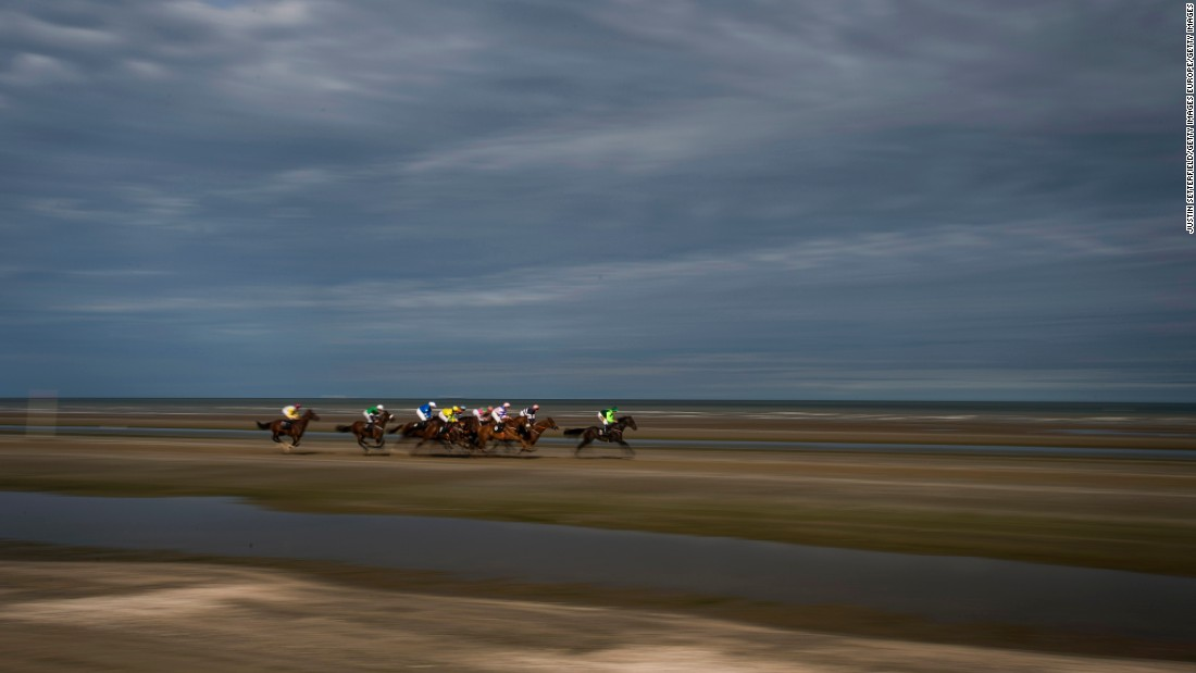 laytown strand the horse race where life 39 s a beach. Black Bedroom Furniture Sets. Home Design Ideas