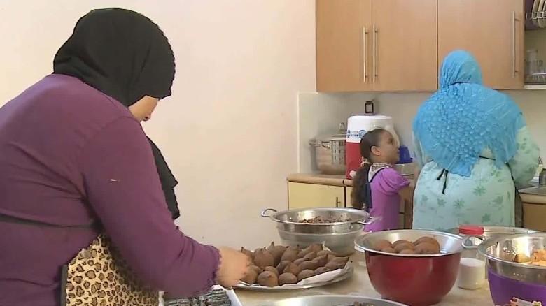 how to cook molokhia syrian