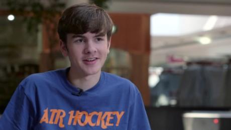 youngest air hockey champion orig_00001025.jpg