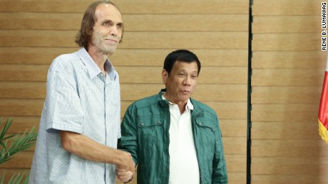 Freed Norwegian hostage Kjartan Sekkingstad and Philippines President Rodrigo Duterte.