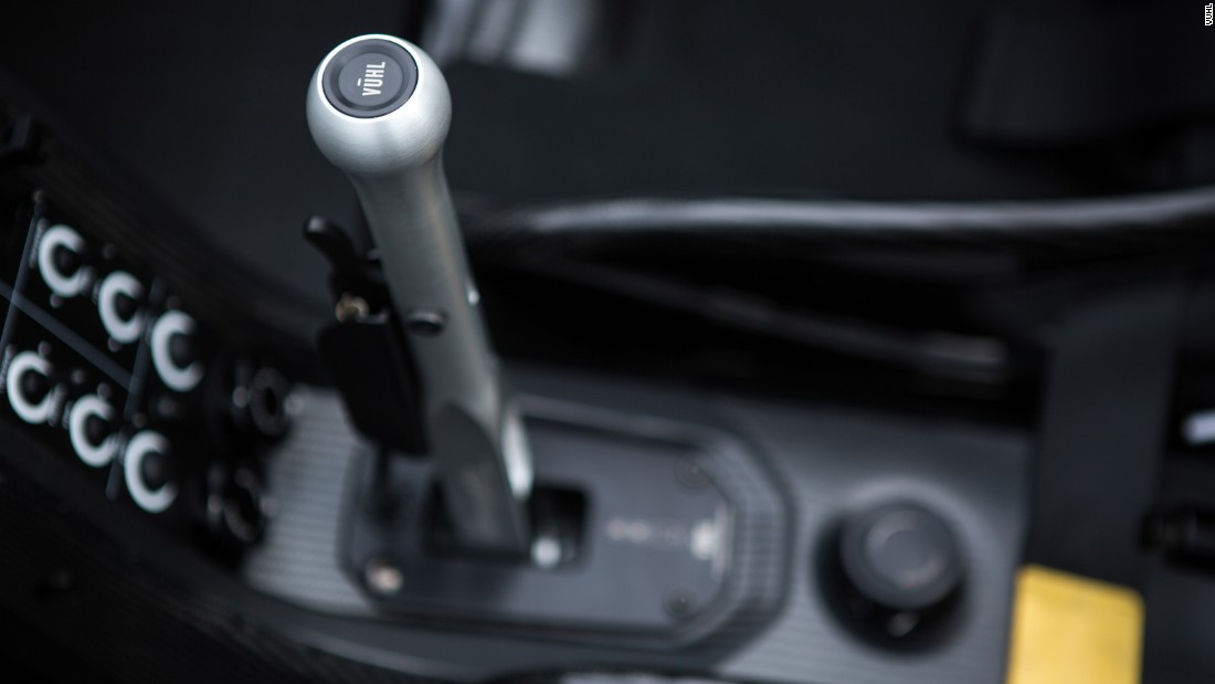 No automatic transmission here, instead the 05 and 05RR feature a six-speed manual.