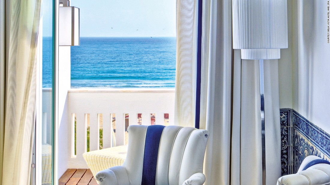 First opened in 1934, Bela Vista still trumps its younger high-end neighbors. Each of its 38 rooms is individually designed and decorated with new chic modern furnishings after a recent refurbishment.