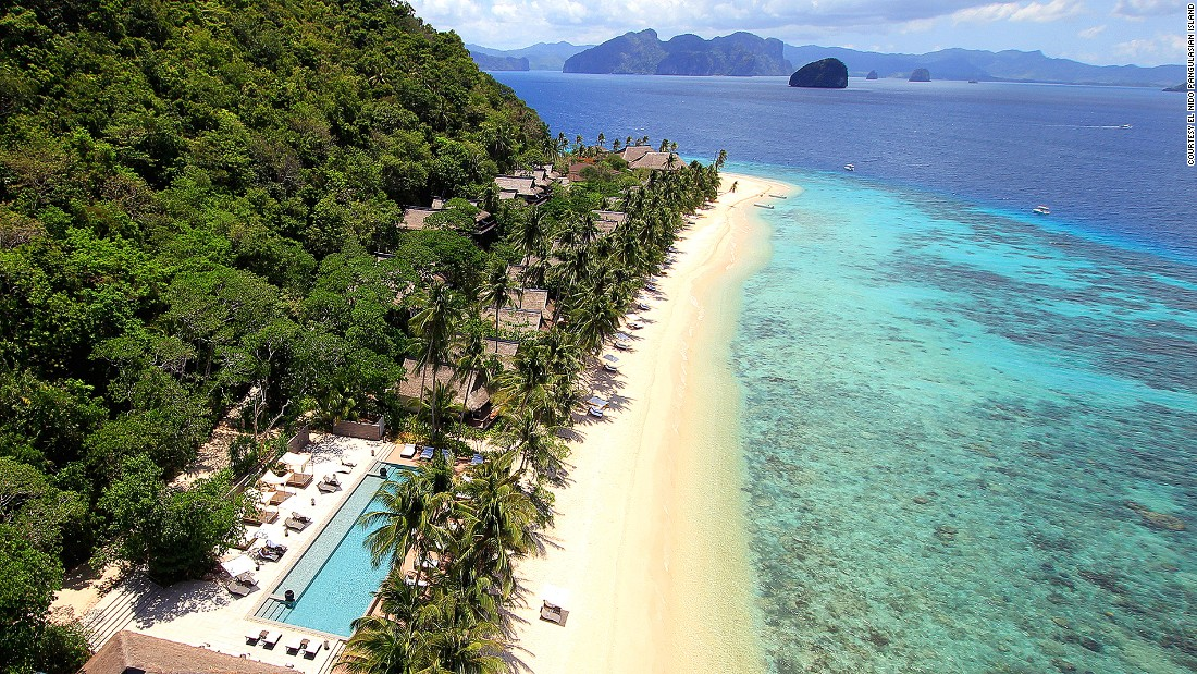 Villas with modern Filipino decor, large private balconies and (for many) an oceanfront infinity pool are some of the highlights of El Nido Pangulasian Island resort, the most luxurious venue in the Palawan archipelago.