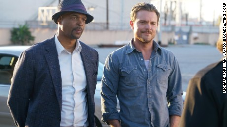 """Damon Wayans and Clayne Crawford in """"Lethal Weapon"""""""