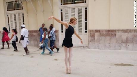 cuba ballet chicago dancer havana  AR ORIGWX_00004122.jpg