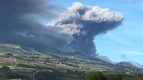cnnee pkg djenane villanueva costa rica volcan _00013609