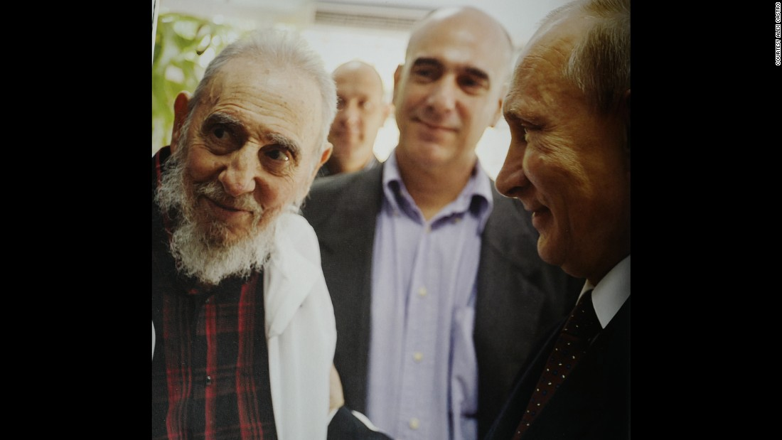 """Russian President Vladimir Putin visits Fidel Castro in 2014. According to Alex Castro, Putin """"feels respect and affection"""" for his father."""
