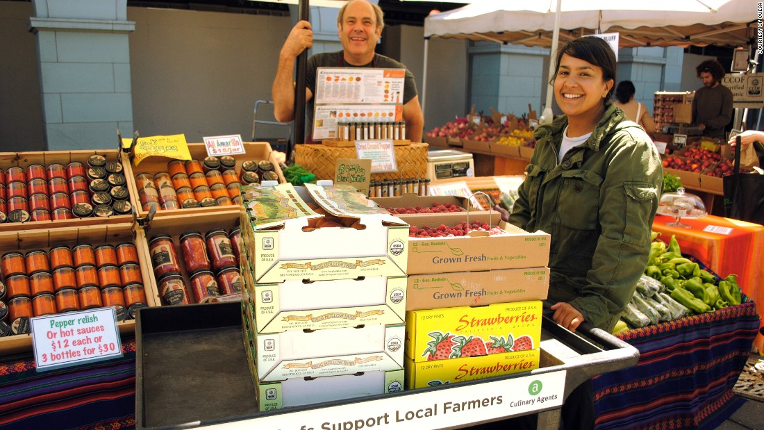 The Ferry Plaza Farmers Market is San Francisco's flagship outdoor farmers market (in a town bulging with nearly two dozen others at last count).