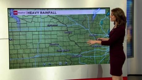 weather flood ohio iowa chinchar live digital_00004019.jpg