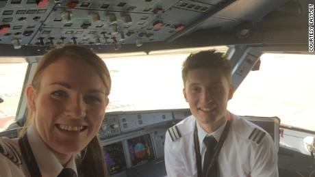 Easyjet captain Kate McWilliams and co-pilot Luke Elsworth.