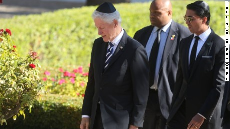 Former US president Bill Clinton was in attendance to pay his respects to Peres.