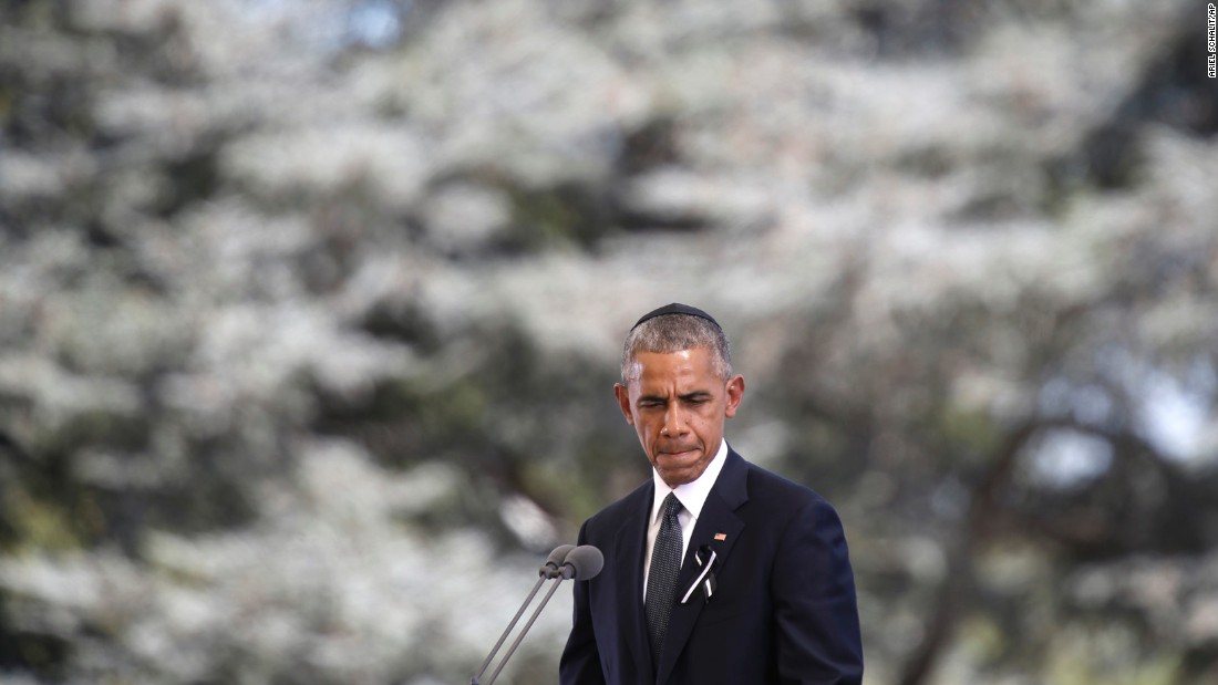 """Obama also gave a eulogy. He commented on Peres' desire for peace. """"Out of the hardships of the diaspora, he found room in his heart for others who suffered,"""" Obama said."""