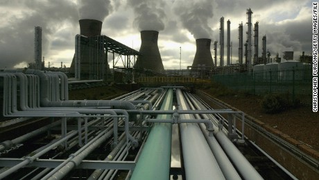 FILE PHOTO: GRANGEMOUTH, SCOTLAND - NOVEMBER 1:  BP's Huge oil refinery complex continues it's 24 hour production of petroleum and gas, November 1, 2004 at Grangemouth in central Scotland.  The landmark kYOTO TREATY requiring cuts in gas emissions causing global warming took effect 16 February with support of 141 nations, with the United States and Australia holding out saying the harm to their economies would be too great. (Photo by Christopher Furlong/Getty Images)